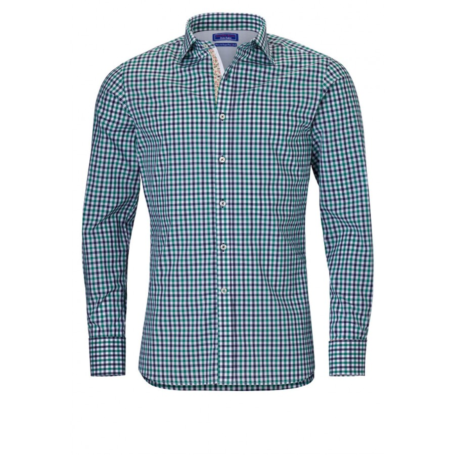 A distinctive check shirt in stretch-cotton. Cut in a slim fit, it features a concealed button placket, sleeve adjuster tabs and a point collar.